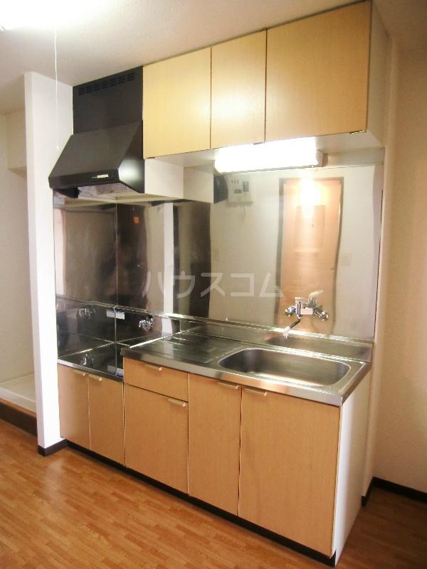 メゾーネマルクⅠ 105号室のキッチン