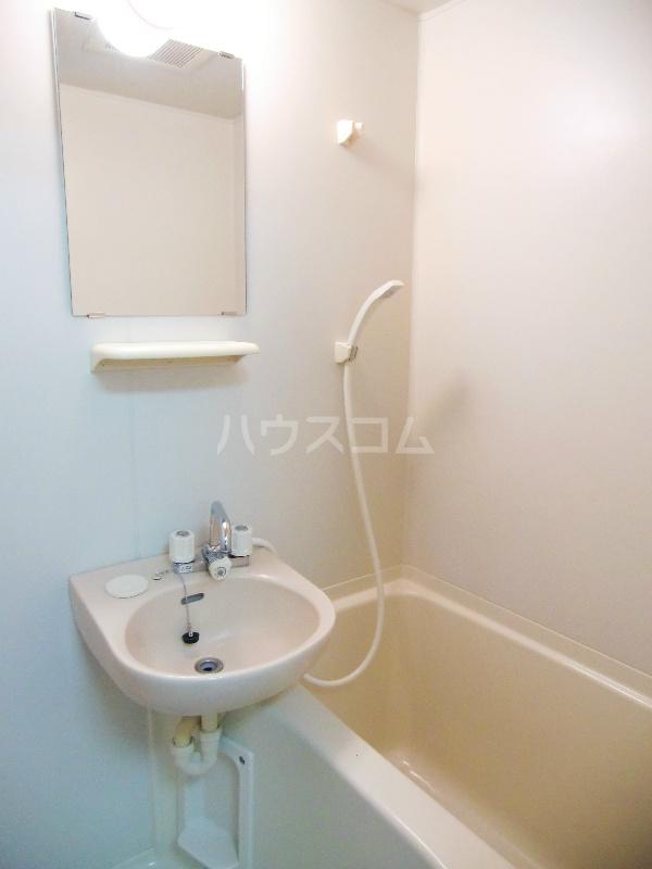 メゾーネマルクⅠ 105号室の風呂
