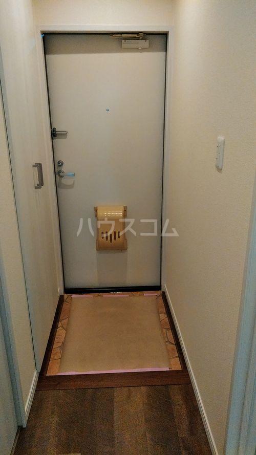 クレートメゾン土屋 202号室の玄関