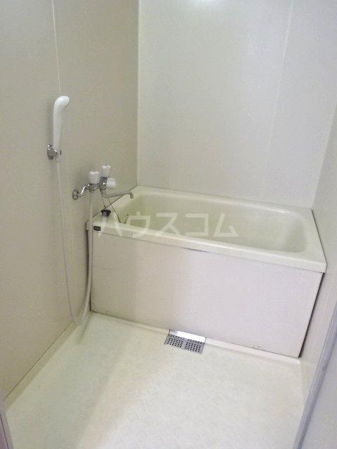 グリーンキャピタル石井 107号室の風呂