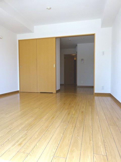 サンイング北松戸 510号室のリビング