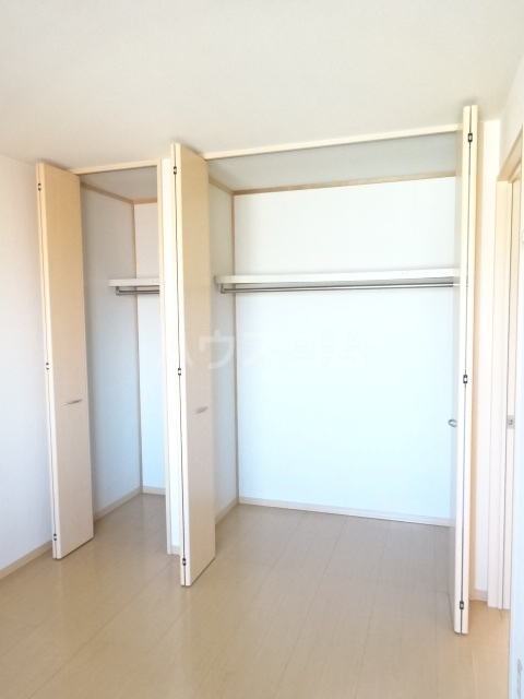 ルミエールモナリエ 205号室の収納