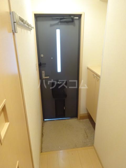 ルミエールモナリエ 205号室の玄関
