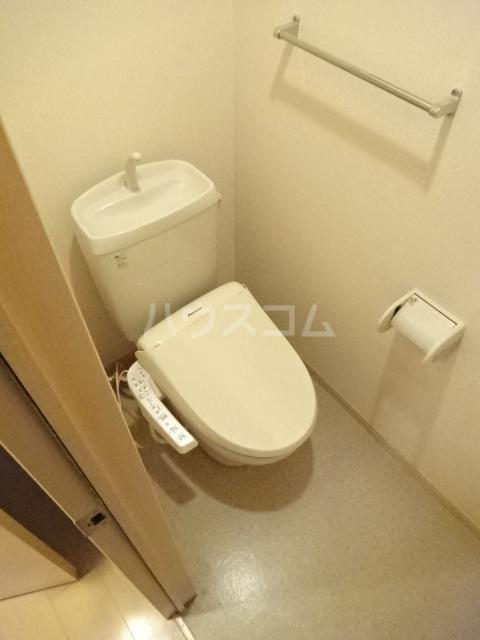 ルミエールモナリエ 205号室のトイレ
