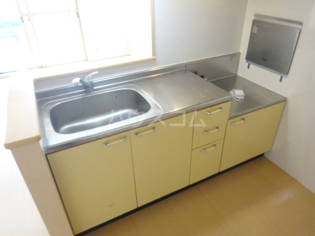 ルミエールモナリエ 205号室のキッチン