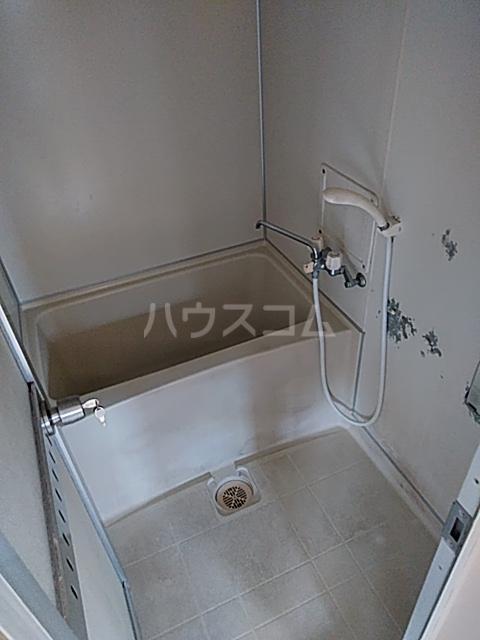ブレーンコート上本郷 205号室の風呂