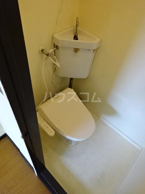 矢切ハイムA棟 B号室のトイレ