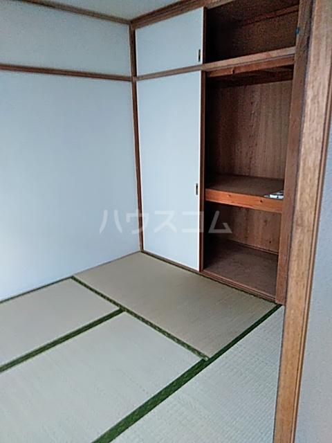 和名ヶ谷京葉ハイツ 305号室の居室