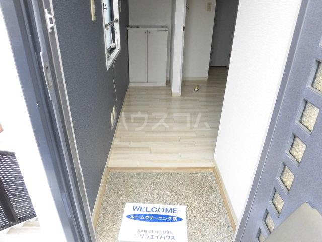 シミズハイツ A101号室の玄関