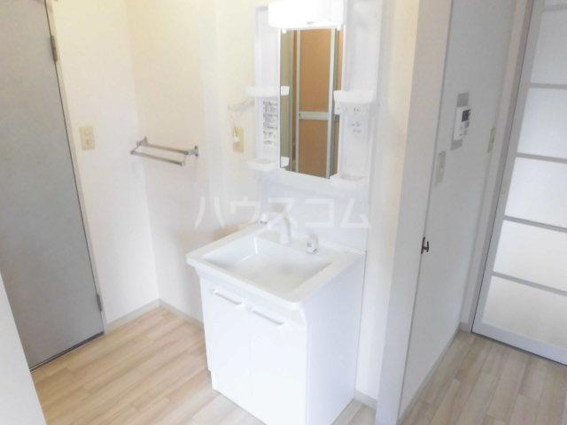 シミズハイツ A101号室の洗面所