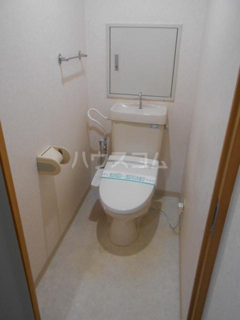 VIPロイヤル氷川台 503号室のトイレ
