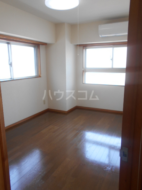 VIPロイヤル氷川台 503号室の居室