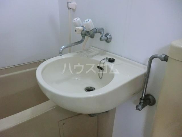 メゾン・ド・サンヒルズ 103号室の洗面所