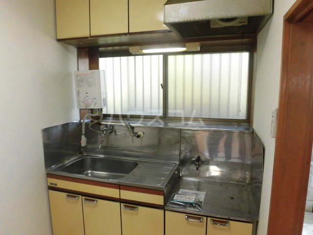 サンハイツ 102号室のキッチン