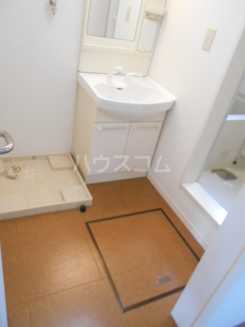 クララハウス 102号室の洗面所