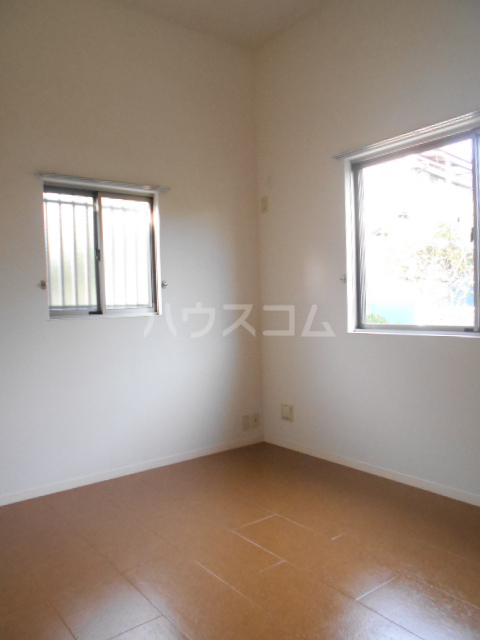 クララハウス 102号室の居室