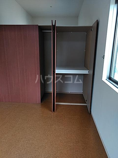 クララハウス 102号室の収納