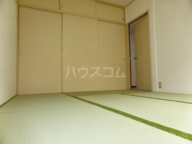ユタカハイツ 202号室の居室
