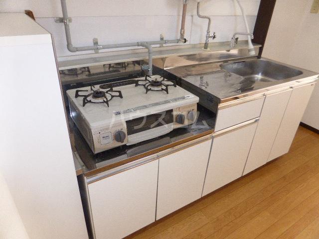 ユタカハイツ 202号室のキッチン