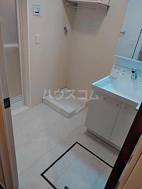 OTT's大宮 101号室の洗面所