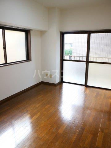 田島ビル 202号室のベッドルーム