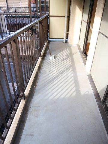 田島ビル 202号室のバルコニー