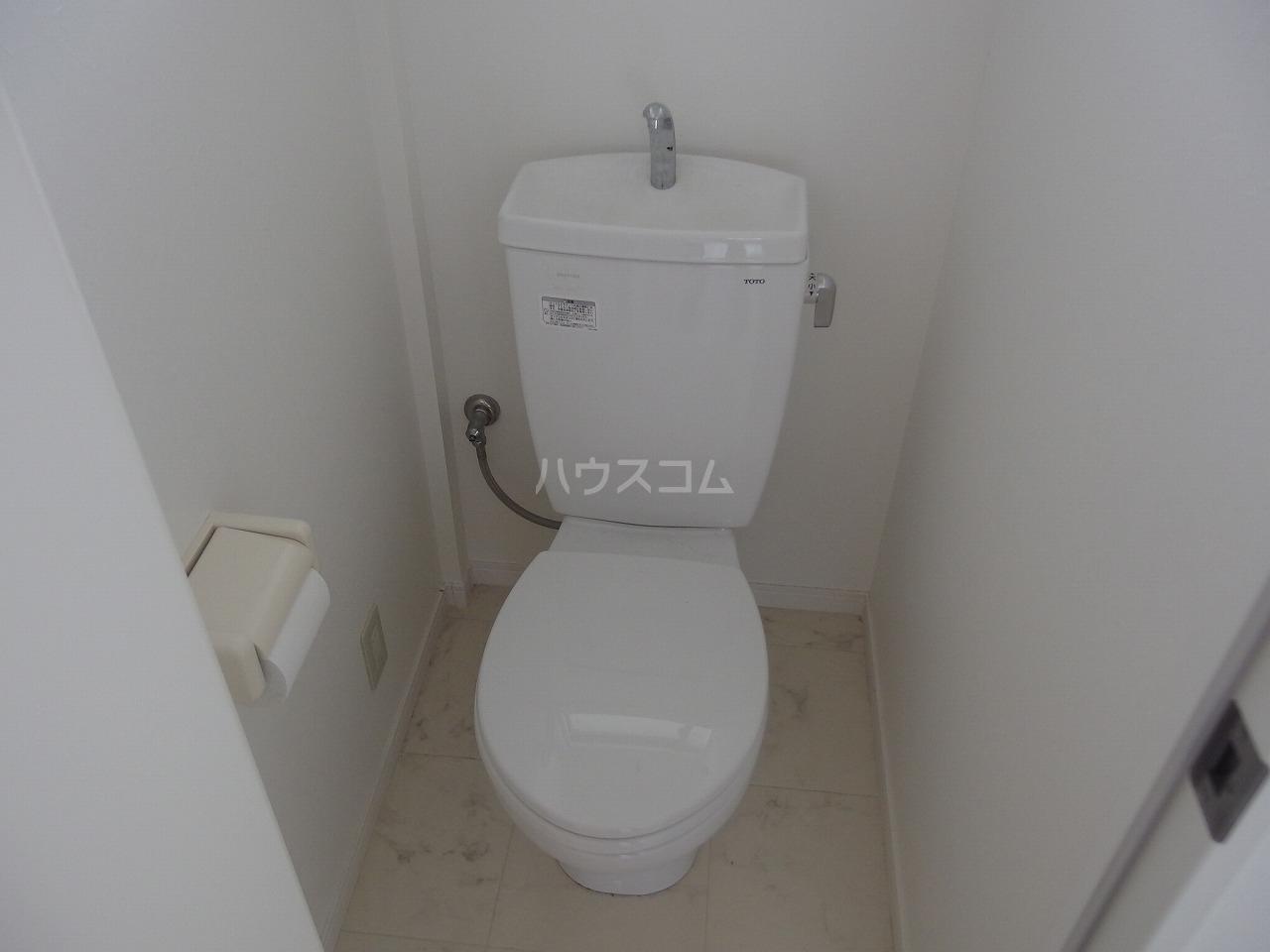 第1白王荘 102号室のトイレ