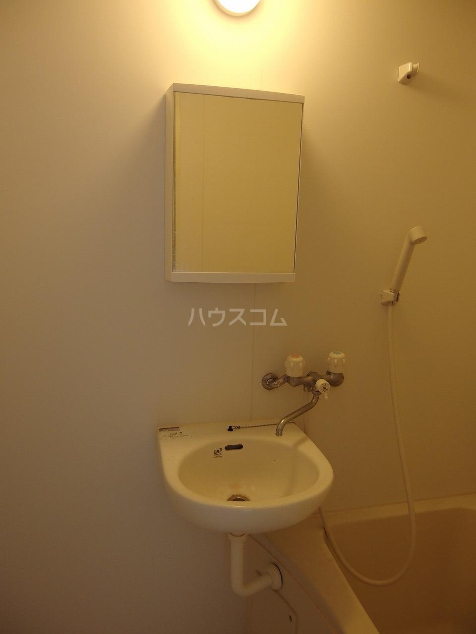 第1白王荘 102号室の洗面所