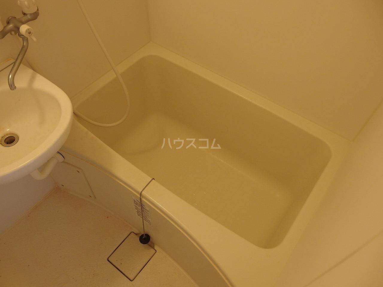 第1白王荘 102号室の風呂