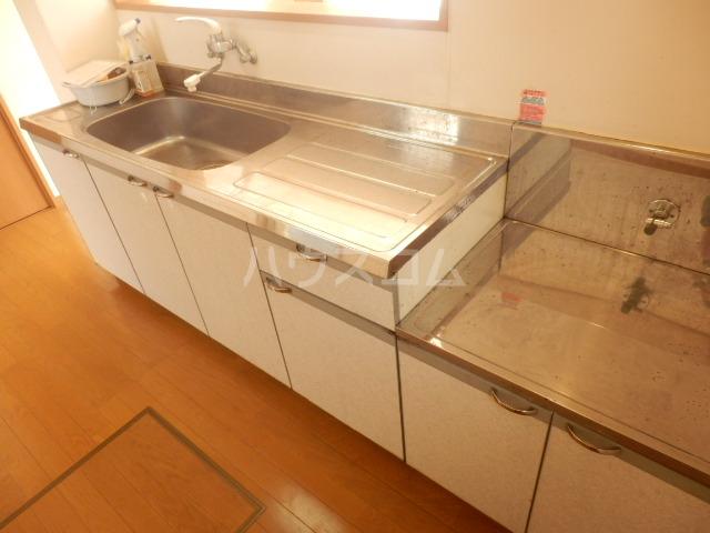 メゾネットYUのキッチン