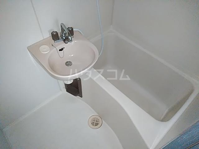 ビングスフジ 102号室の風呂