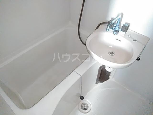 ビングスフジ 105号室の風呂