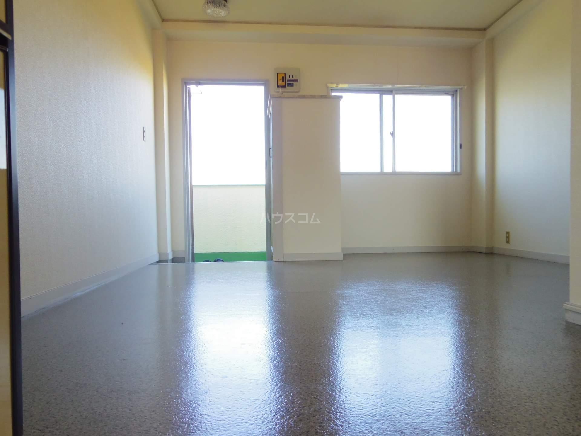 ワコーマンション 304号室のリビング