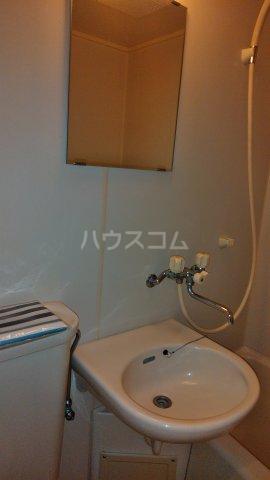 美しの森ハウス A102号室の洗面所