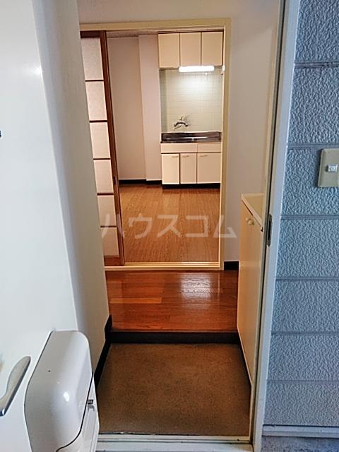 苑楽 923 102号室の玄関
