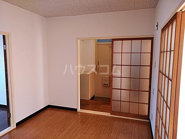 苑楽 923 102号室のリビング