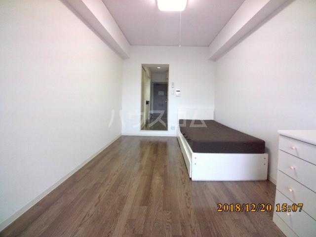 ミルオンデュール竹生 604号室のリビング