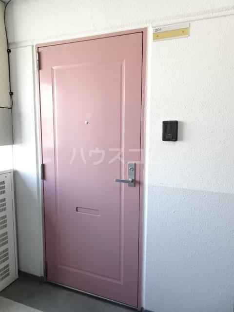 ステップⅧ 508号室の玄関