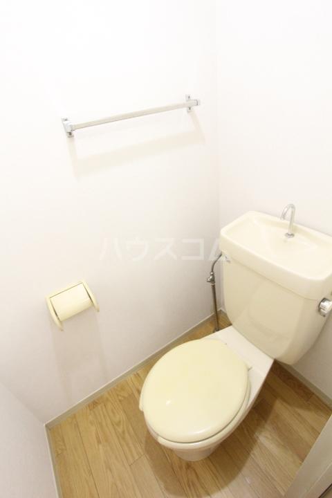 フレグランス豊栄B 101号室のトイレ