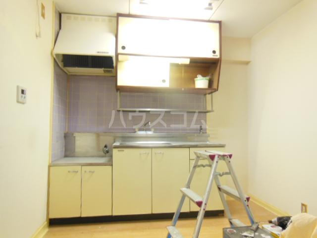 サンシャインひら 403号室のキッチン