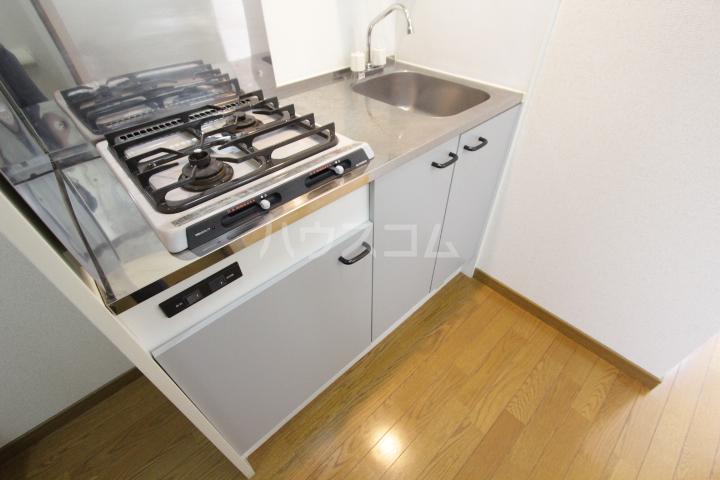 アンプルール フェール 加藤 302号室のキッチン