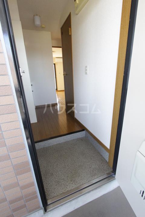 アンプルール フェール 加藤 302号室の玄関