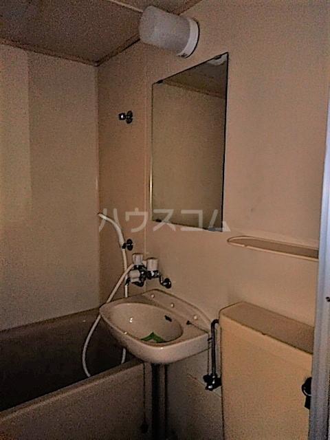 アークファースト 206号室の洗面所