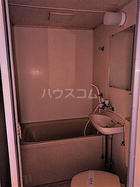 アークファースト 206号室の風呂