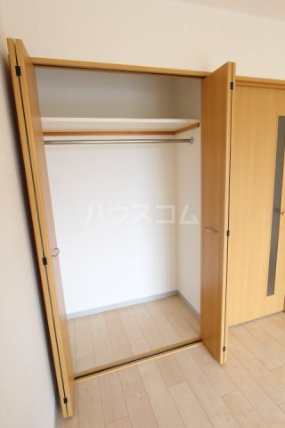 グローリ栄町 207号室の収納