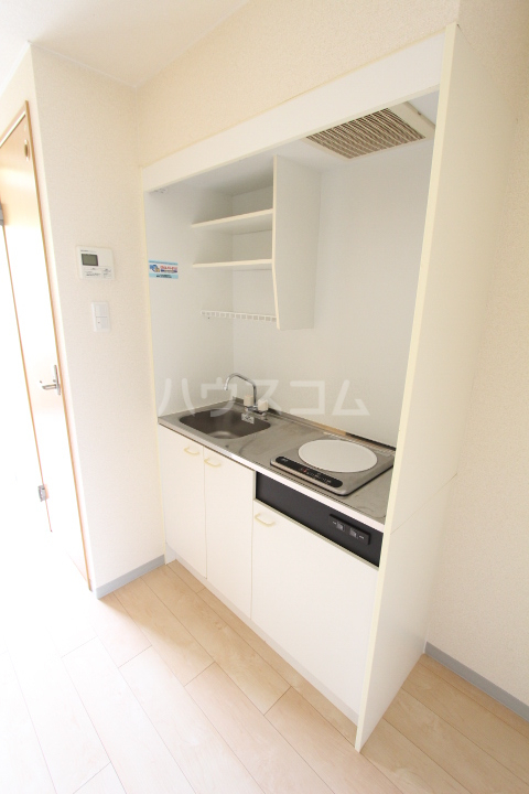 グローリ栄町 207号室のキッチン