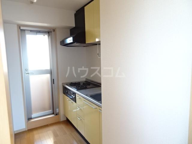 シャトー大豊 703号室のキッチン