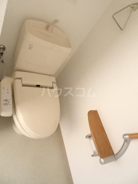 シャトー大豊 703号室のトイレ