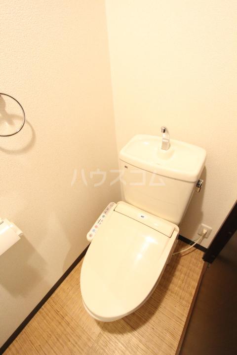 AQUA VITA 202号室のトイレ