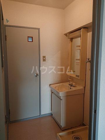 第二ハイツ昌 303号室の洗面所